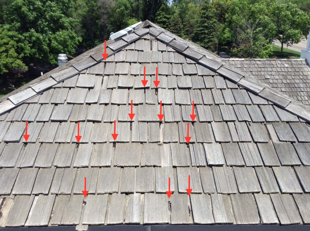 4 Warning Signs That You Need Cedar Shake Roof Repair