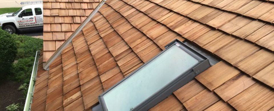 cedar shake roofing - A.B. Edward is a cedar roofing installtion company