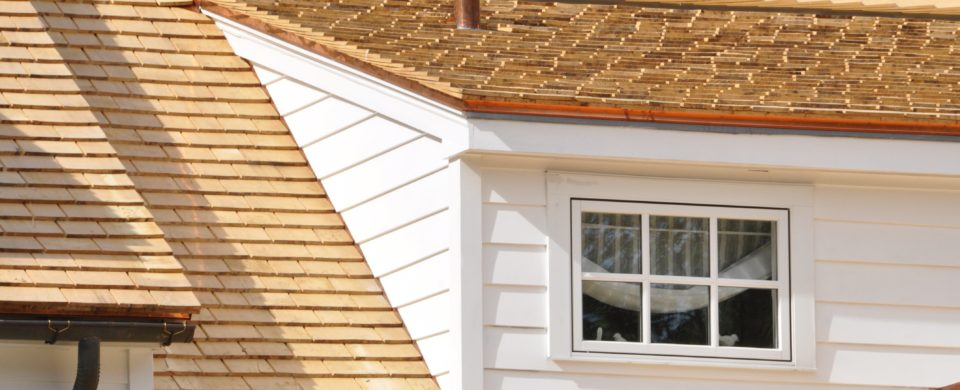 4 Warning Signs That You Need Cedar Roof Repair
